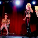 Chantal et Chloe sing for Dayna